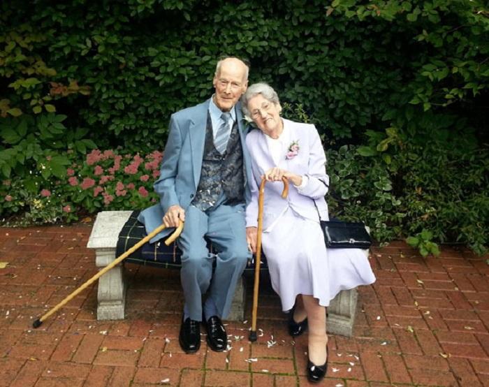98-летние молодожены. Тед женился на своей милой Жаннет.