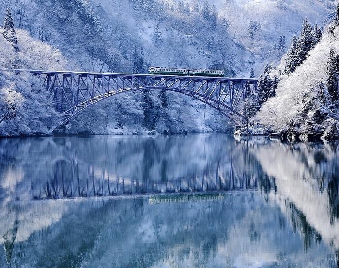 Мост через реку в Тадами, Фукусима, Япония.
