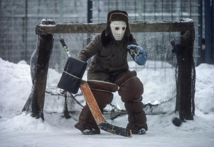 Будущая звезда советского хоккея.