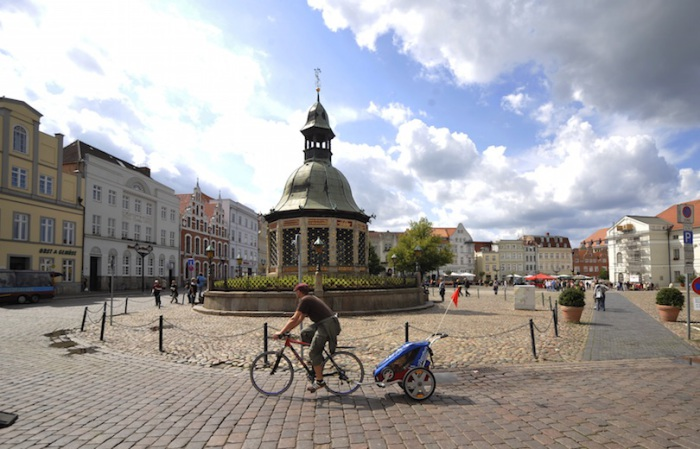 Настоящий город-порт, в средние века Висмар прославился торговлей сельдью и пивом, а также изготовлением сукна. Север Германии Север Германии wismar