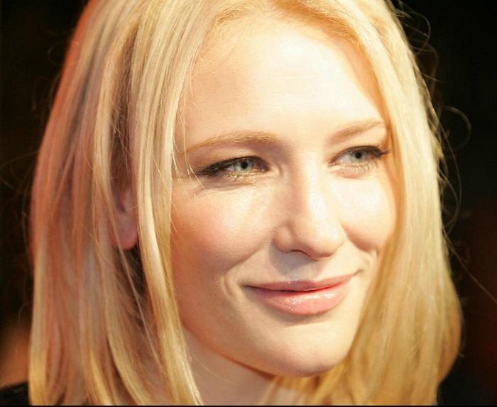 45-летняя высокая, стройная, с фарфоровой кожей австралийская кино- и театральная актриса.
