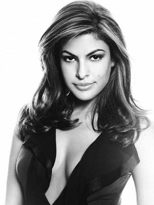 41-летняя очень красивая, сексуальная и привлекательная американская актриса.
