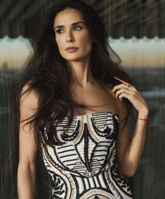 52-летняя известная американская актриса, которая не выглядит на свой возраст.