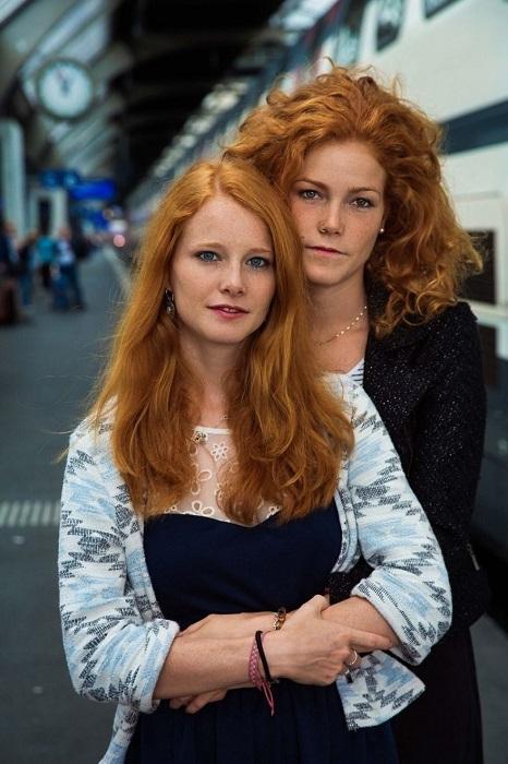 «Огненные» сестры Патриция и Ребекка – обладательницы роскошных рыжих волос.