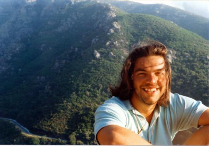Самый молодой председатель греческой парламентской партии за всю историю государства.