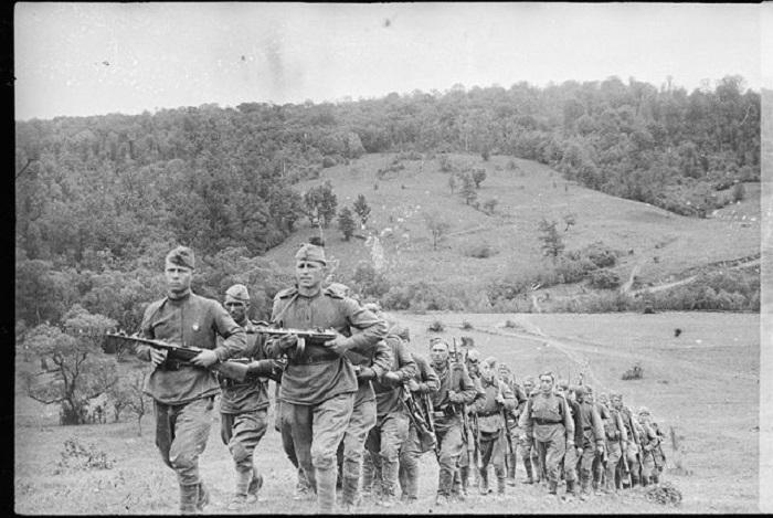 Решительное продвижение пехоты перед началом наступления.