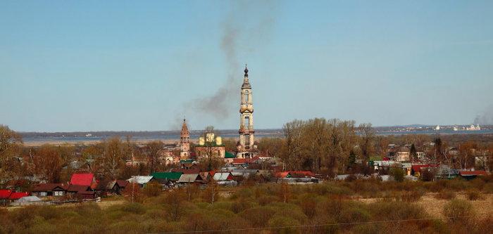 Архитектурный шедевр ростовской земли, села Поречье-Рыбное, имеет высоту 93,7 метра.