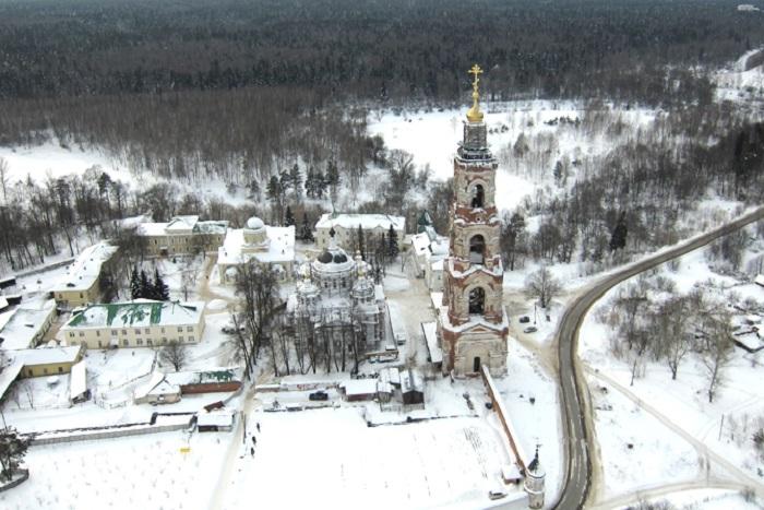 Монастырь на окраине села Авдотьино, на территории Ногинского района Московской области, с колокольней 90,3 метра.
