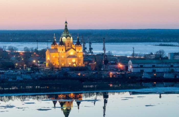 Высота храма в Нижнем Новгороде составляет 87 метров.