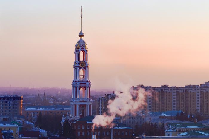 Многоярусная монастырская колокольня была снесена в советские годы, заново отстроена в 2011, высотой 107 метров.