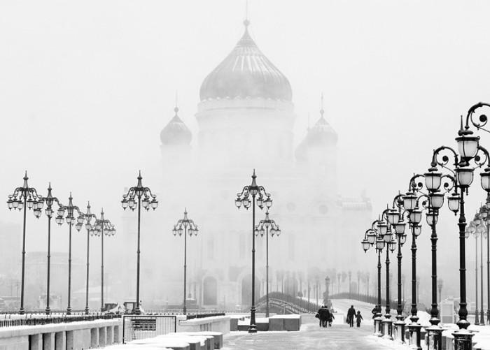 Кафедральный собор Русской православной церкви имеет высоту 103 метра.
