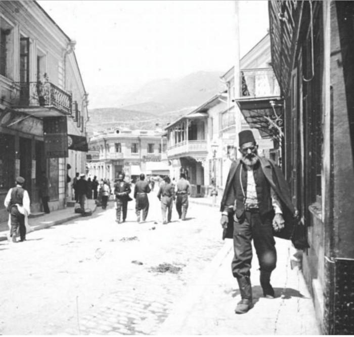Одна из первых улиц Ялты, получившая свое название.