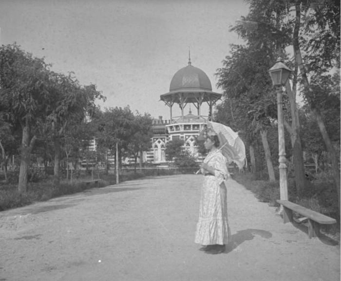 Прогулка около Малого Ливадийского дворца.