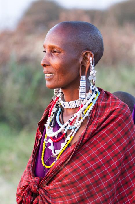 Женщины масаи столь же подтянуты и стройны, как и представители сильного пола. Автор фотографии Фазар Мирзаджа (Faraz Mirzaagha).