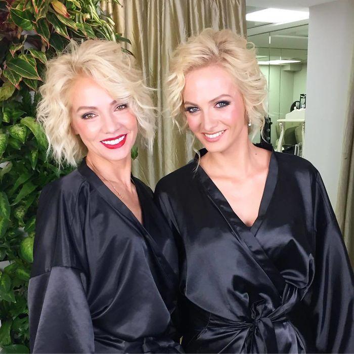 Маму и дочь часто путают, что не удивительно – ведь они выглядят ровесницами!