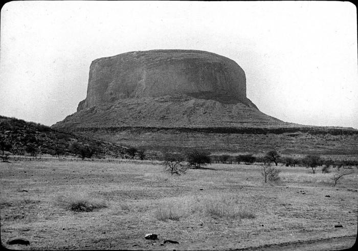 Самая высокая гора в республике Мали.