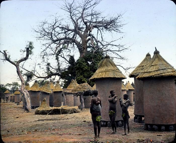 Небольшое укрепленное поселение в республике Буркина Фасо.