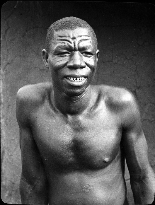 Мужчина одного из африканских племен.