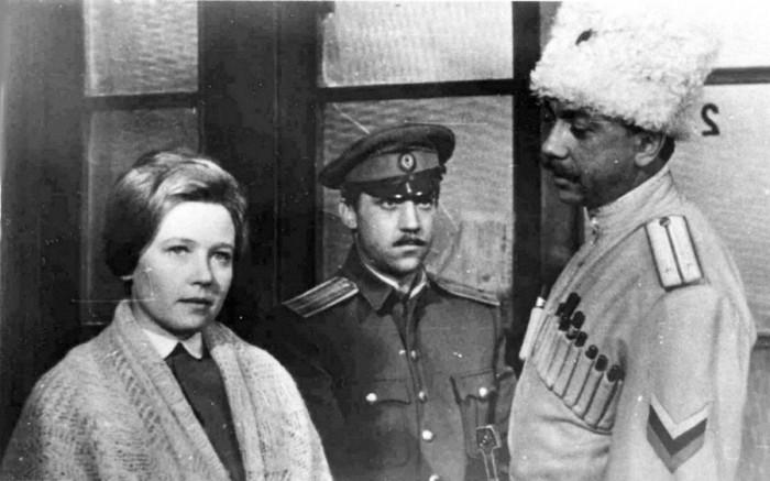 Актеры Роман Ткачук, Ия Саввина, Владимир Высоцкий на съёмочной площадке.