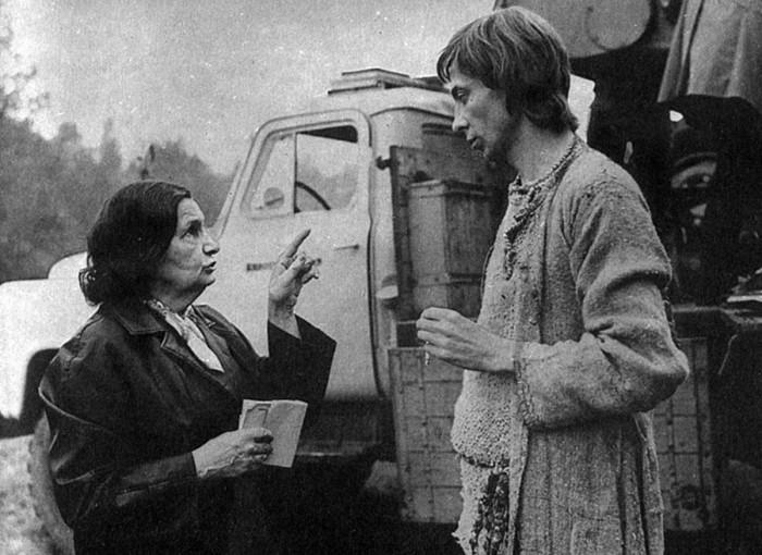 Олег Даль отказался от съемок у именитых режиссеров – Эльдара Рязанова и Леонида Гайдая, чтобы сыграть главную роль Иванушки-дурачка.