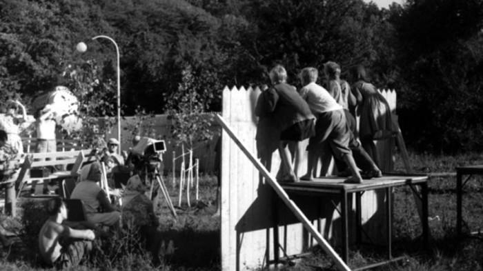Детская комедия постоянно находилась под угрозой закрытия, поэтому режиссеру Элему Климову пришлось работать в самые сжатые сроки.