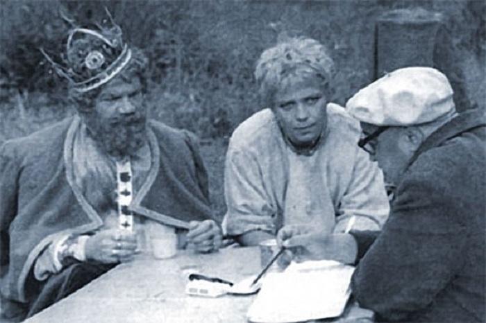 Большую часть актерского состава, снявшегося в киносказке, представляли актеры, которые постоянно работали с режиссером Александром Роу.