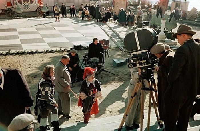 В фильмах-сказках, снятых режиссером Александром Роу, всегда присутствовали спецэффекты, которые по тем временам казались поразительными.