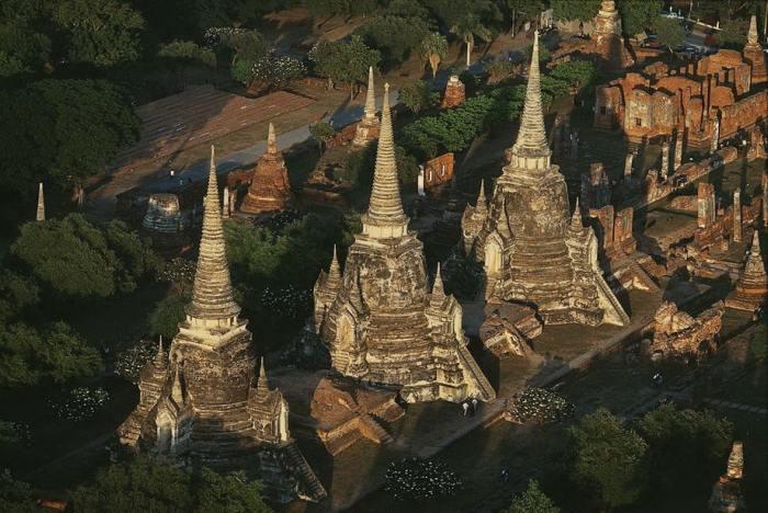 Исторический парк, в котором сосредоточены уцелевшие архитектурные здания и развалины древнего города.