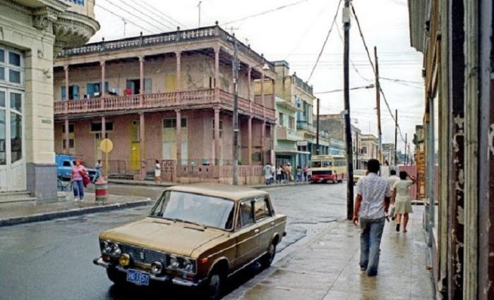 Один из красивейших приморских городов на Кубе.