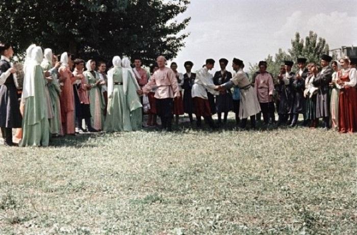 Традиционный танец в Кабардино-Балкарии.