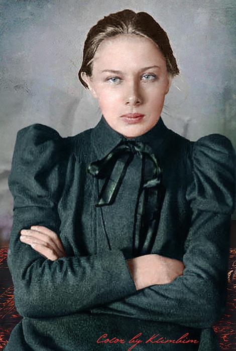 Советский партийный и общественный деятель, жена Владимира Ленина.