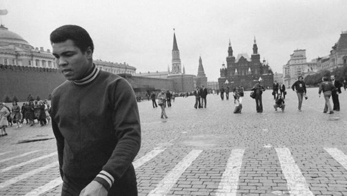 Туристом приезжал в СССР и знаменитый боксёр.