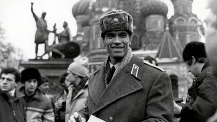 Арнольд Шварценеггер приезжал для съёмок фильма Красная жара, 1988 год.