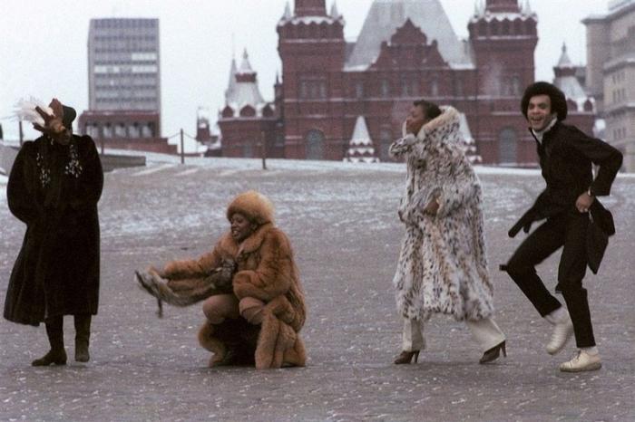 Бони-М на прогулке по Красной площади, декабрь 1978 года.