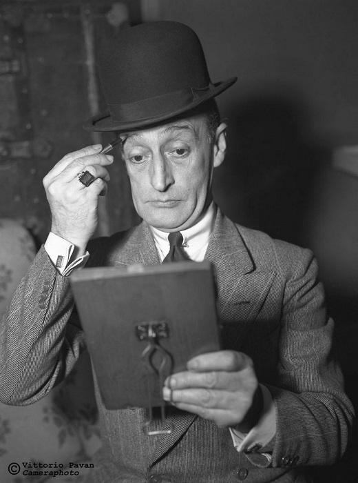 Знаменитый итальянский комик и киноактер Антонио Винченцо Стефано Клементе, известный под псевдонимом Тото, старался всегда быть в образе.