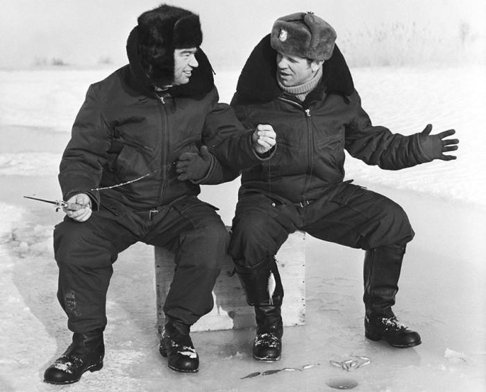 На зимней рыбалке. 1978 год.