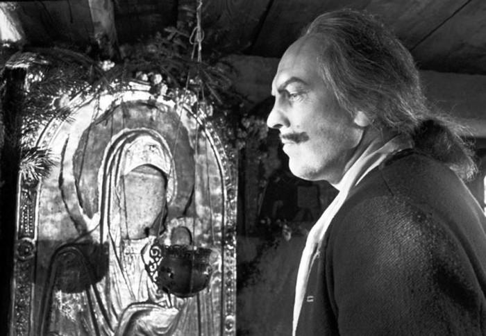 Актёр театра и кино в роли Петра I на съёмках «Сказ про то, как царь Петр арапа женил». 2 октября 1975 года.
