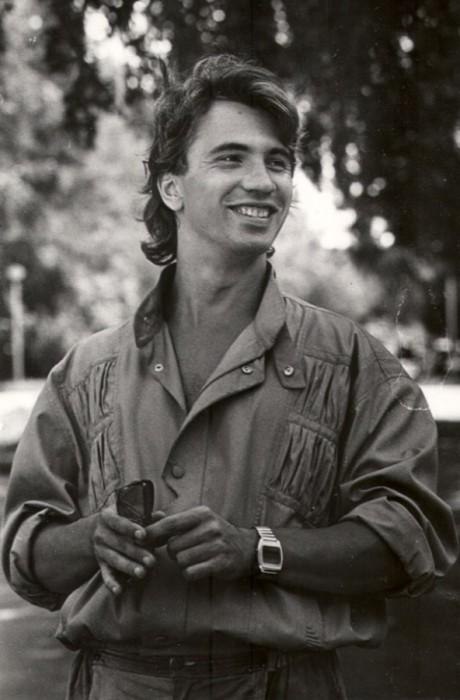 Молодой певец в начале своей великой карьеры. 1987 год.