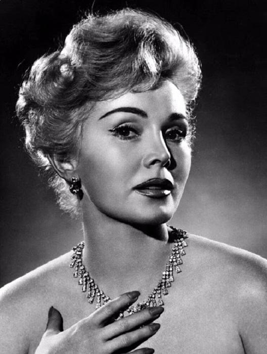 Жа Жа Габор принимала огромное участие в телепрограммах и многочисленных развлекательных передачах.