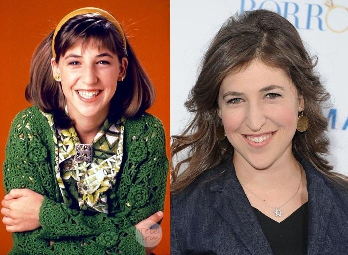 Исполнила роль девочки-подростка Блоссом Руссо в американском комедийном сериале «Блоссом»/ «Blossom».