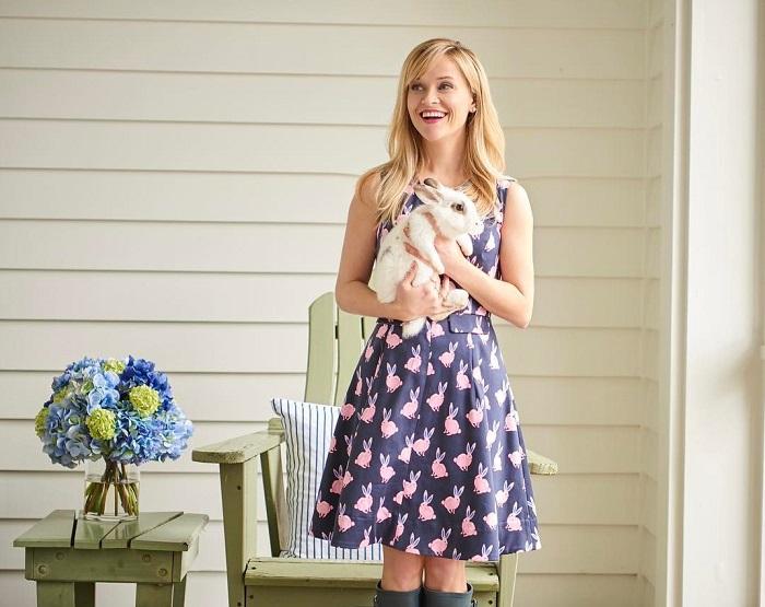 Американская актриса просто обожает Пасху, поэтому не удивительно, что у нее живет очаровательный кролик.