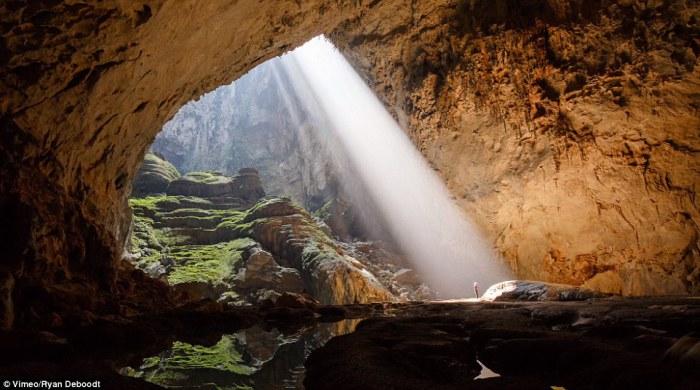 Крупнейшая пещера в мире Hang Son Doong.