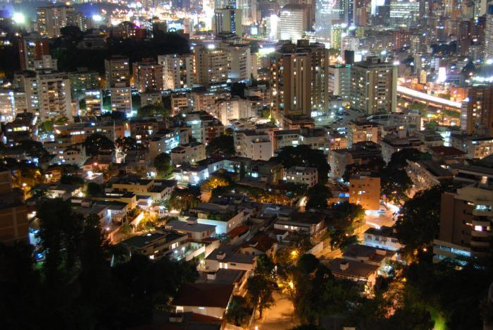 Ночной Каракас.