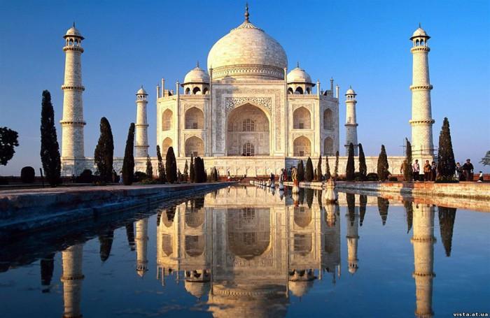 Мечеть-мавзолей Тадж-Махал, Индия.