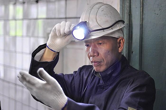 Китайский художник Cai Guo-Qiang в донецкой шахте