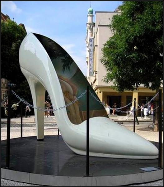 Фото эротических скульптур на улицах города 19 фотография