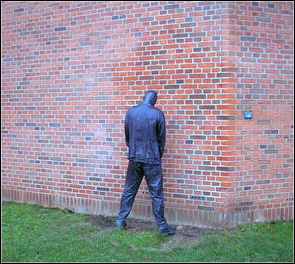 Памятник отсутствию туалета. Дания
