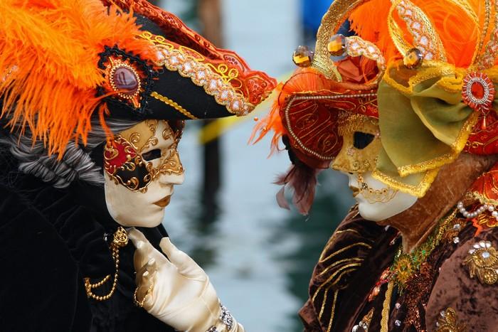 Маски и костюмы к Венецианскому карнавалу 2012 год