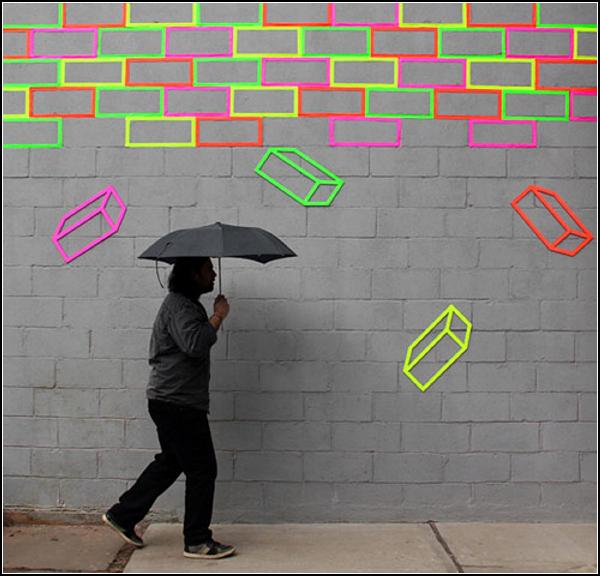Разноцветные кубики из скотча на улицах Нью-Йорка
