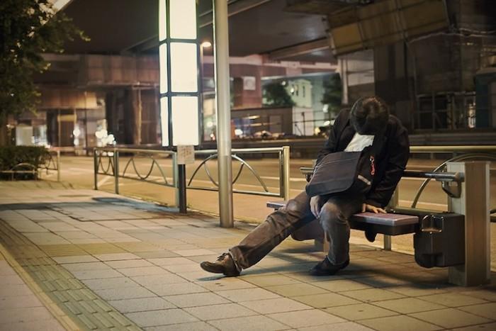Adrian_Storey_Tokyo_sleepers_05.jpg